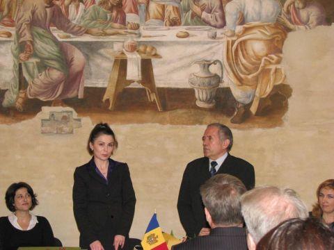 L'ambasciatore SE Prof. Gheorghe Rusnac e la sua assiste