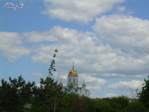 le cupole dorate della cattedrale della Natività